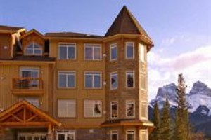 Falcon Crest Lodge voted 4th best hotel in Canmore